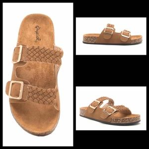 **NEW NEVER WORN** Braided 2 band buckle sandals.